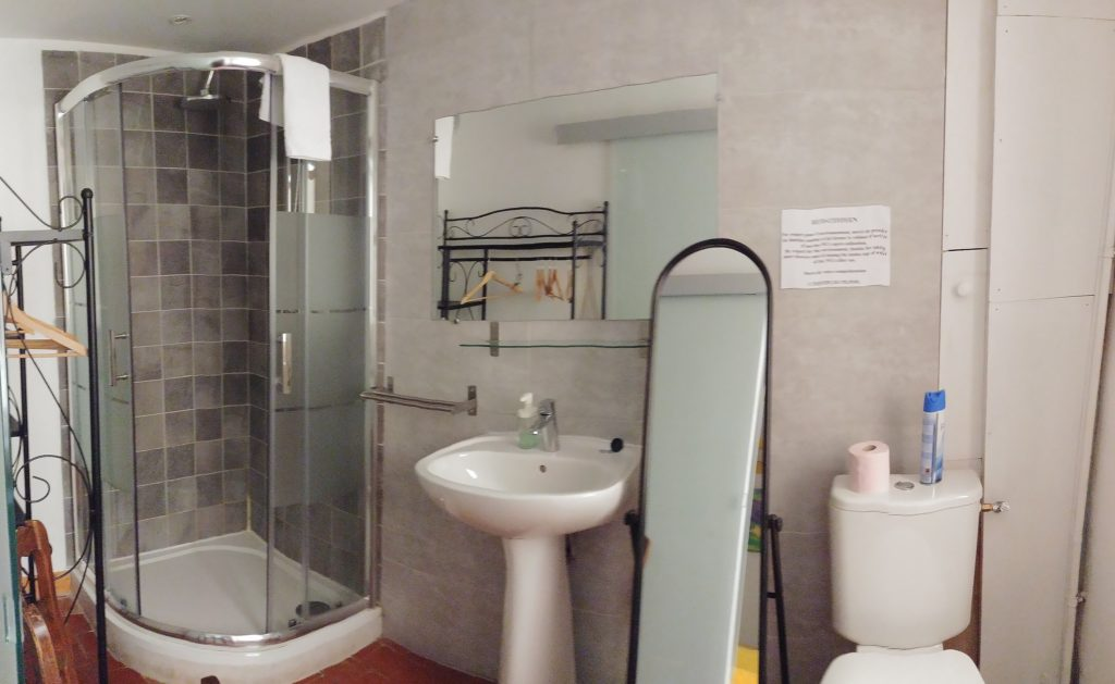 Gite Sault Ventoux salle de bain privée